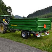 Traktorový návěs BIG 5 6500 v agregaci JOHN DEER 6230